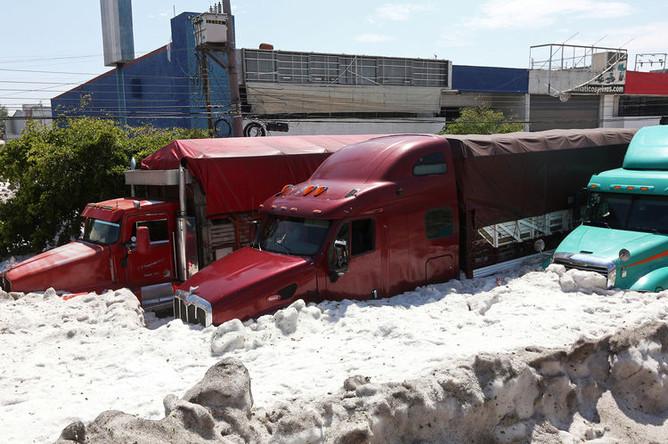 Последствия урагана с градом в мексиканском муниципалитете Гвадалахара, 1 июля 2019 года