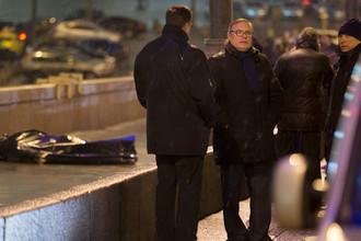 Михаил Касьянов на месте убийства Бориса Немцова