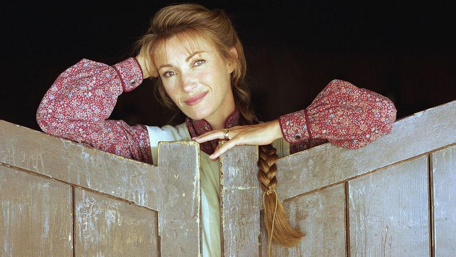 Актриса Джейн Сеймур во время съемок сериала «Доктор Куин, женщина-врач», 1996 год
