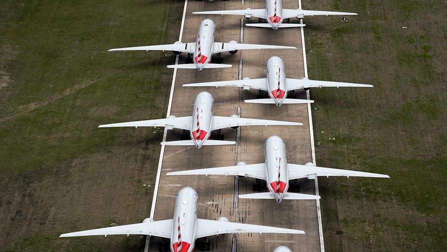 Фото: Прямо на взлетной полосе: где паркуют ставшие ненужными самолеты