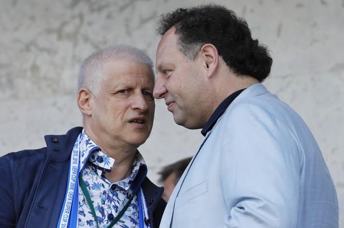 Константин Сарсания (справа) и Сергей Фурсенко на матче «Зенита» летом 2017 года
