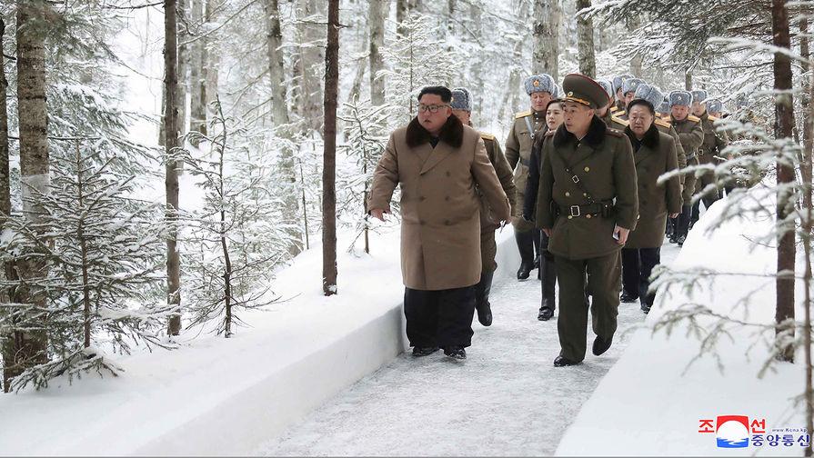 Высший руководитель КНДР Ким Чен Ын на священной горе Пэктусан, 4 декабря 2019 года