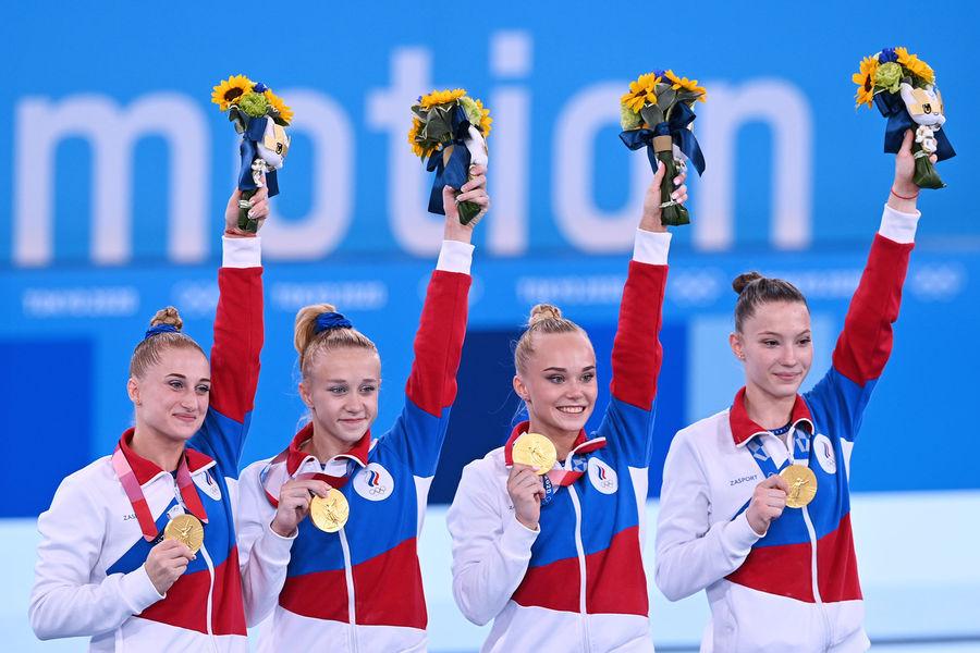 Слева направо: Лилия Ахаимова, Виктория Листунова, Ангелина Мельникова и Владислава Уразова (спортивная гимнастика, командное многоборье)