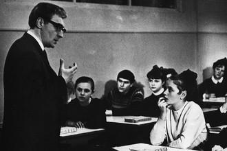 Кадр из фильма «Доживем до понедельника» (1968)
