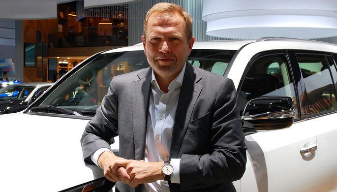 Глава Lexus Europe Алан Уттенховен
