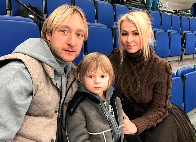 Евгений и Александр Плющенко, Яна Рудковская (слева направо)