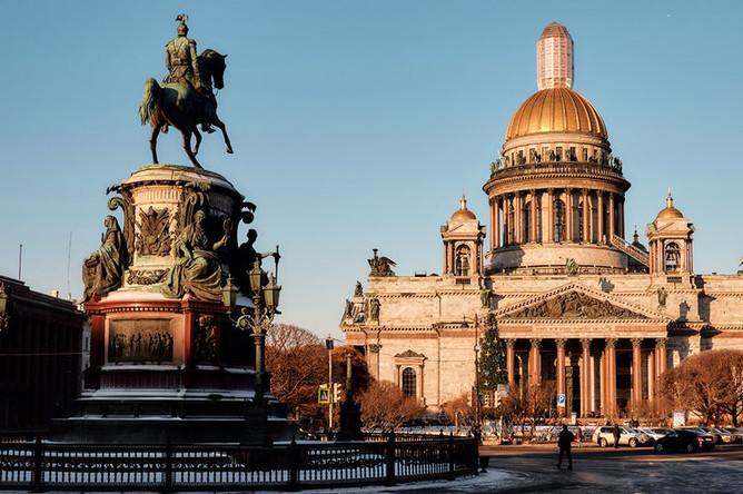 Памятник Николаю I у Исаакиевского собора в Санкт-Петербурге, 2017 год