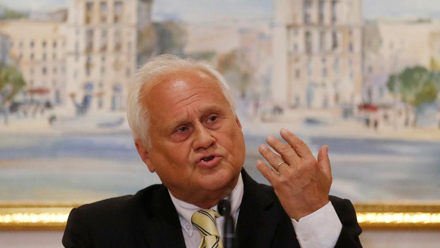 Экс-представитель ОБСЕ сравнил Россию и Украину с «великаном» и «гномом»