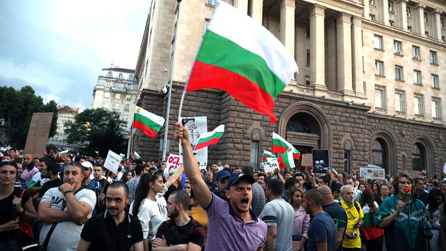 «Пора ему отдохнуть»: в Болгарии требуют отставки премьера