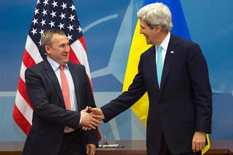 Государственный секретарь США Джон Керри и министр иностранных дел Украины Андрей Дещица в штаб-квартире НАТО
