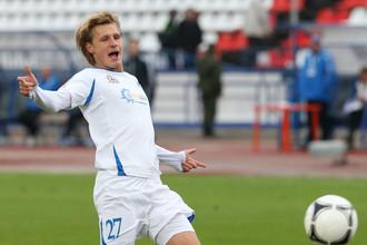 Сапогов сравнял счет, исполнив точно пенальти, а Белозеров забил победный гол