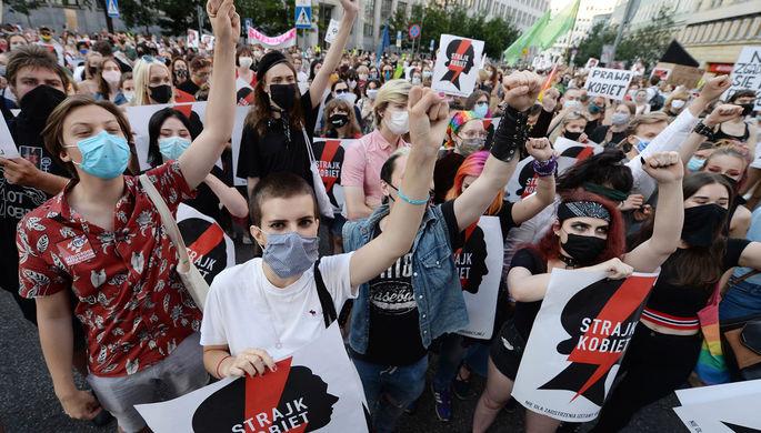 «Легализация насилия»: Польша выходит из Конвенции о защите женщин