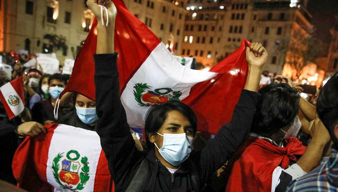 «Сильнейшая борьба за власть»: в Перу снова сменился президент