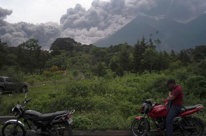 Извержение вулкана Фуэго в Гватемале, 3 июня 2018 года