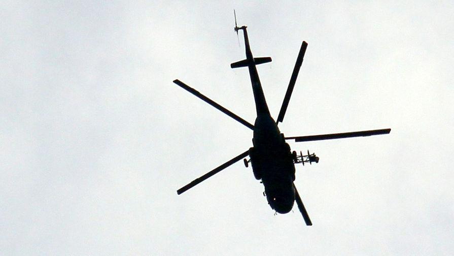 Вертолет совершил вынужденную посадку в тундре в Красноярском крае