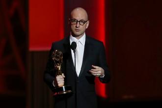 Стивен Содерберг получил награду «Лучший режиссер минисериала или фильма» за телефильм «За канделябрами»