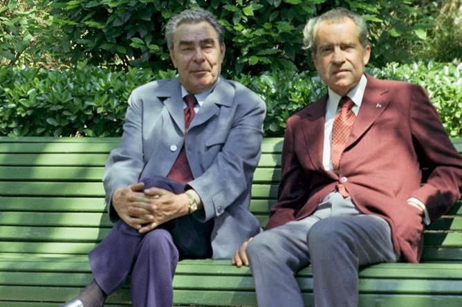 Генеральный секретарь Центрального комитета КПСС Леонид Ильич Брежнев и президент США Ричард Никсон в Ореанде, 29 июня 1974 года
