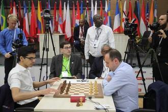 Шахматисты Аниш Гири и Евгений Наер
