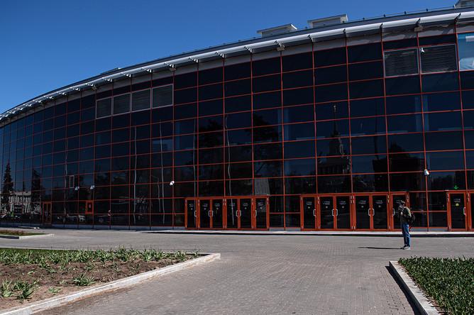 Павильон № 75 на ВДНХ в Москве, где проходит строительство временного госпиталя для больных с коронавирусной инфекцией, 2 мая 2020 года