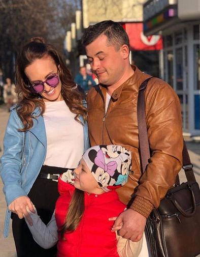 Тимур Гайдуков с супругой и дочерью