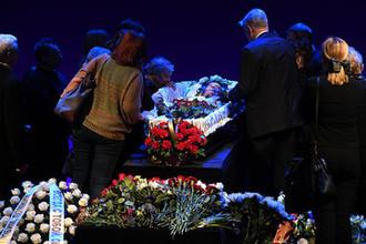 На церемонии прощания в Театре имени Моссовета с народным артистом России Анатолием Адоскиным, 23 марта 2019 года