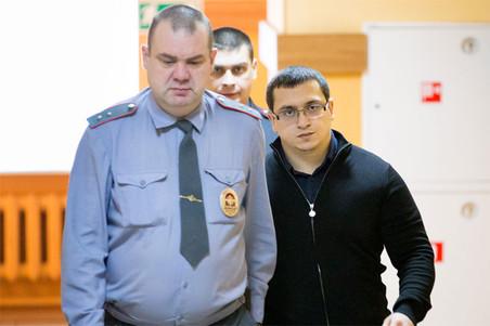 Фигурант скандального избиения полицейского в Иваново вышел на свободу намного раньше срока и улетел в Дубай