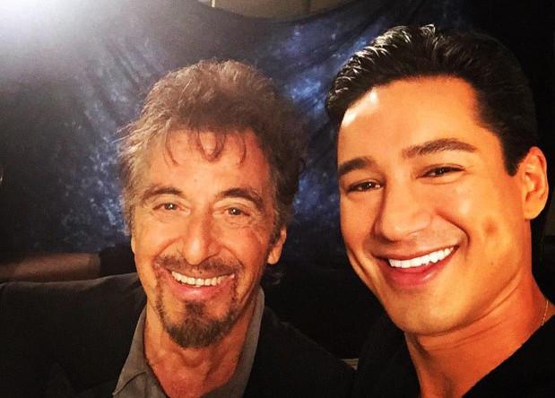 «Аль Пачино сказал мне, что это его первое в жизни селфи», — сообщил телеведущий Марио Лопез в своем твиттере