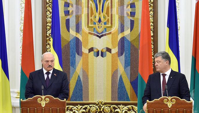 Президент Белоруссии Александр Лукашенко и президент Украины Петр Порошенко во время пресс-конференции в Киеве, 21 июля 2017 года