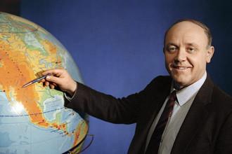 Ведущий передачи Центрального телевидения «Клуб путешественников» Юрий Сенкевич, 1988 год
