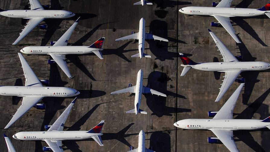 Самолеты авиакомпании Delta Air Lines в аэропорту города Бирмингем, штат Алабама, США, 25 марта 2020 года
