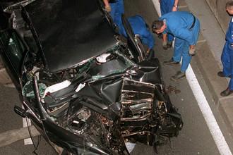Диана погибла в Париже 31 августа 1997 года в автомобильной катастрофе вместе с Доди аль-Файедом и водителем Анри Полем. Аль-Файед и Поль погибли мгновенно, Диана, доставленная с места происшествия в больницу Сальпетриер, скончалась через два часа.