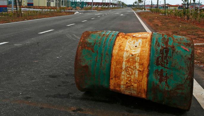 США добили баррель: нефть упала ниже $55