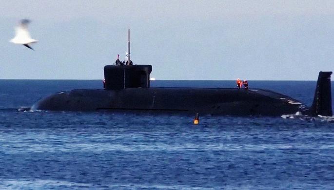 Ракетный подводный крейсер стратегического назначения Северного флота РФ «Юрий Долгорукий» перед залповым пуском баллистических ракет «Булава» из акватории Белого моря по полигону Кура на Камчатке, май 2018 года