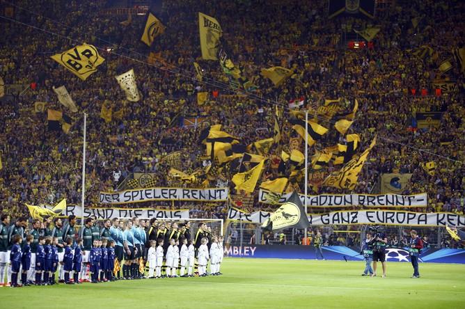 Трибуны стадиона в Дортмунде переполнены