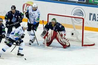 Победив во Владивостоке, «Барыс» остался теневым лидером лиги