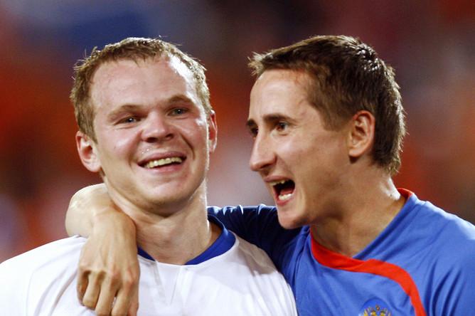 Игроки «Зенита» защитник Александр Анюков и полузащитник Владимир Быстров могут перейти в «Краснодар».