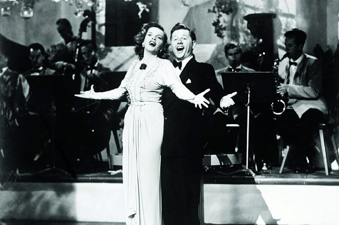 Кадр из фильма «Песня в сердце»