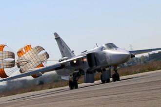 Российский штурмовик Су-25СМ на аэродроме Хмеймим