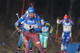 Максим Цветков провалил первый этап эстафеты седьмого этапа Кубка мира по биатлону, из-за чего сборная России не смогла вступить в полноценную борьбу за медали