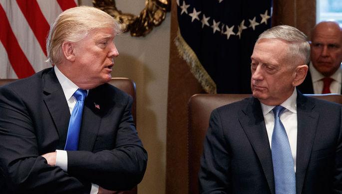 Президент США Дональд Трамп и министр обороны США Джеймс Мэттис