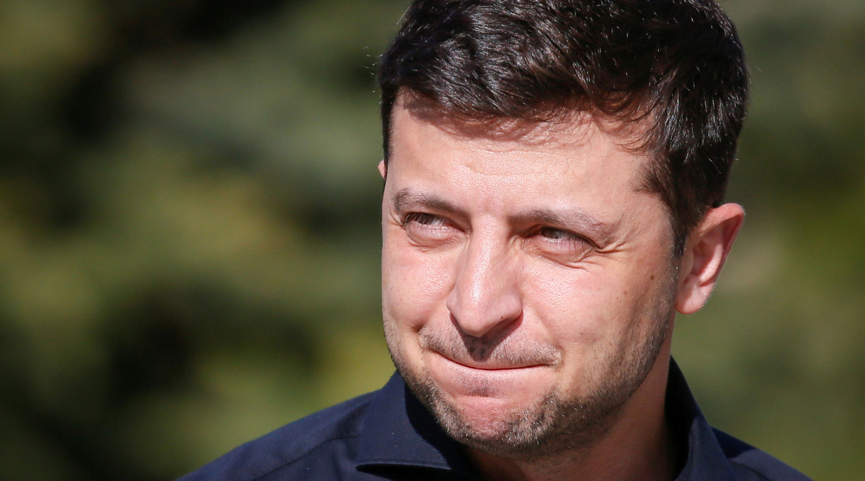 Позволяющую Зеленскому распустить Раду лазейку нашел экс-советник Януковича