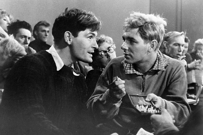 Василий Лановой (слева) в роли Тулина и Александр Белявский (справа) в роли Крылова в фильме «Иду на грозу», 1965 год