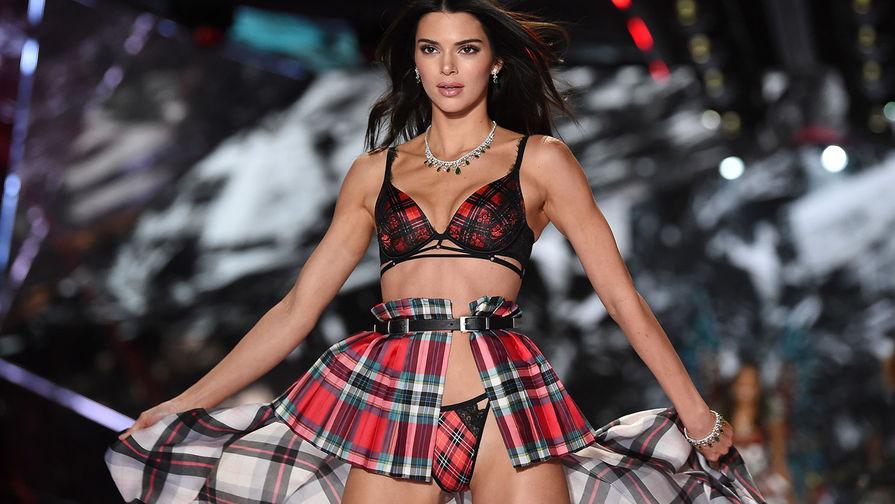 8f087250778be 8 ноября в Нью-Йорке состоялся ежегодный показ марки нижнего белья Victoria's  Secret. За последние несколько лет бренд утратил множество поклонников, ...