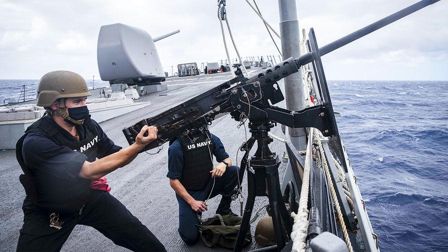 «Действуют по-хамски»: что говорят о заходе эсминца США в воды России