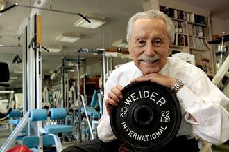 Основатель Международной федерации бодибилдеров Джо Уайдер был иконой стиля