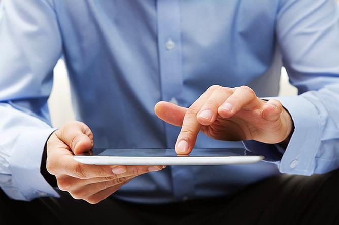 Apple и Samsung разрабатывают планшеты с диагональю 12