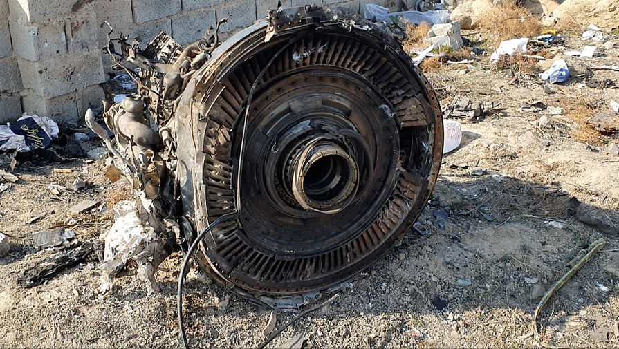 На месте крушения украинского Boeing 737 в окрестностях Тегерана, 8 января 2020 года