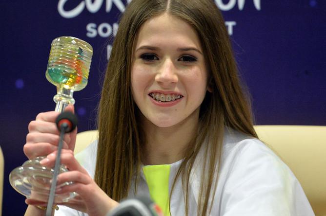Победительница Детского Евровидения 2018, представительница Польши Роксана Вегель после церемонии награждения международного детского конкурса песни «Евровидение-2018» в Минске, 25 ноября 2018 года