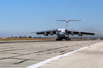 Российский самолет Ил-76МД на аэродроме Хмеймим