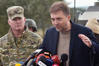 Министр обороны Украины Андрей Загороднюк во время международных военных учений Rapid Trident во Львовской области, сентябрь 2019 года